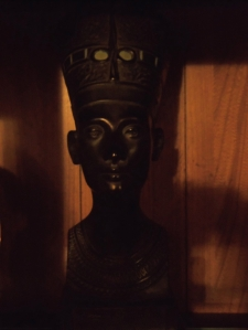 https://bbreplica.files.wordpress.com/2016/05/nefertiti.jpg
