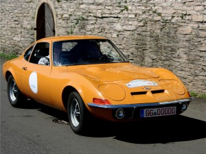 https://bbreplica.files.wordpress.com/2017/05/opel_gt_bj-_1973_am_16-07-2006.jpg